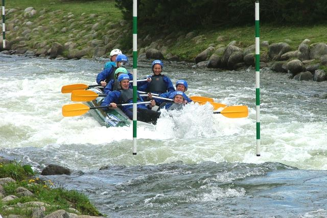 Rafting na Areáli vodného slalomu