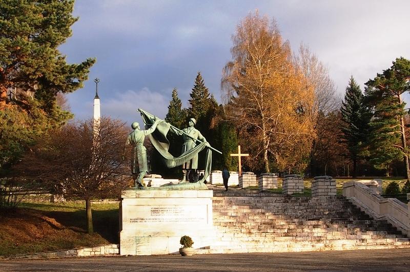 Háj - Nicovô, pamätník