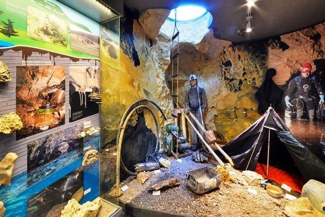 Slovenské múzeum ochrany prírody a jaskyniarstva - jaskyniarstvo