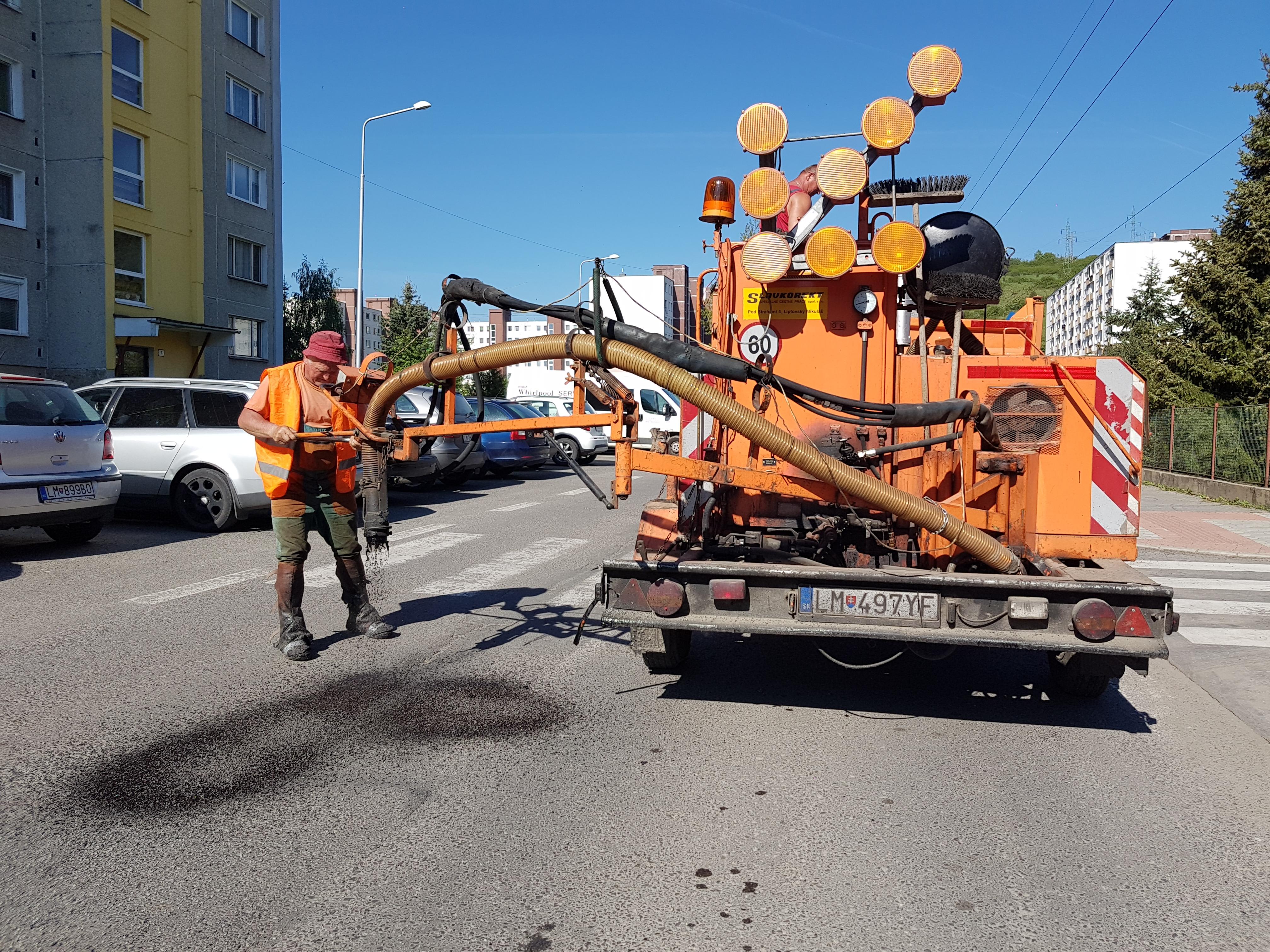 Od zajtra pokračujeme v oprave miestnych komunikácií vo všetkých častiach mesta