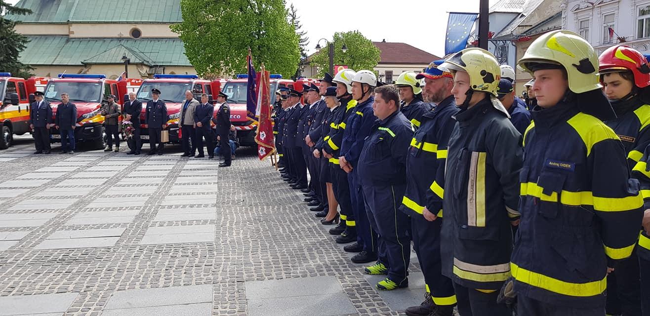 Dobrovoľní hasiči z okresu dostali nové autá