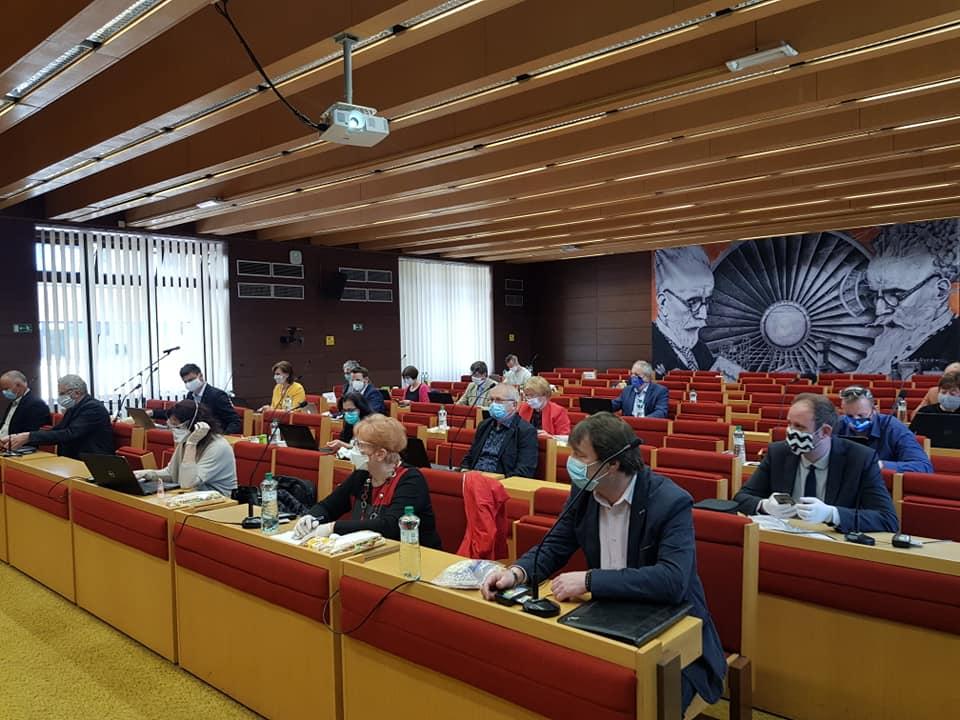 Poslanci schválili rozpočet na tento rok