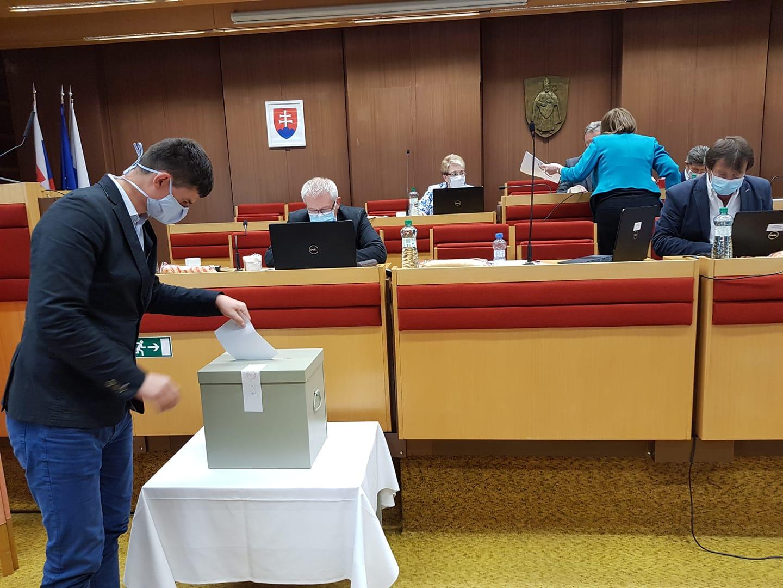 Hlavným kontrolórom mesta je Ružomberčan Martin Alušic