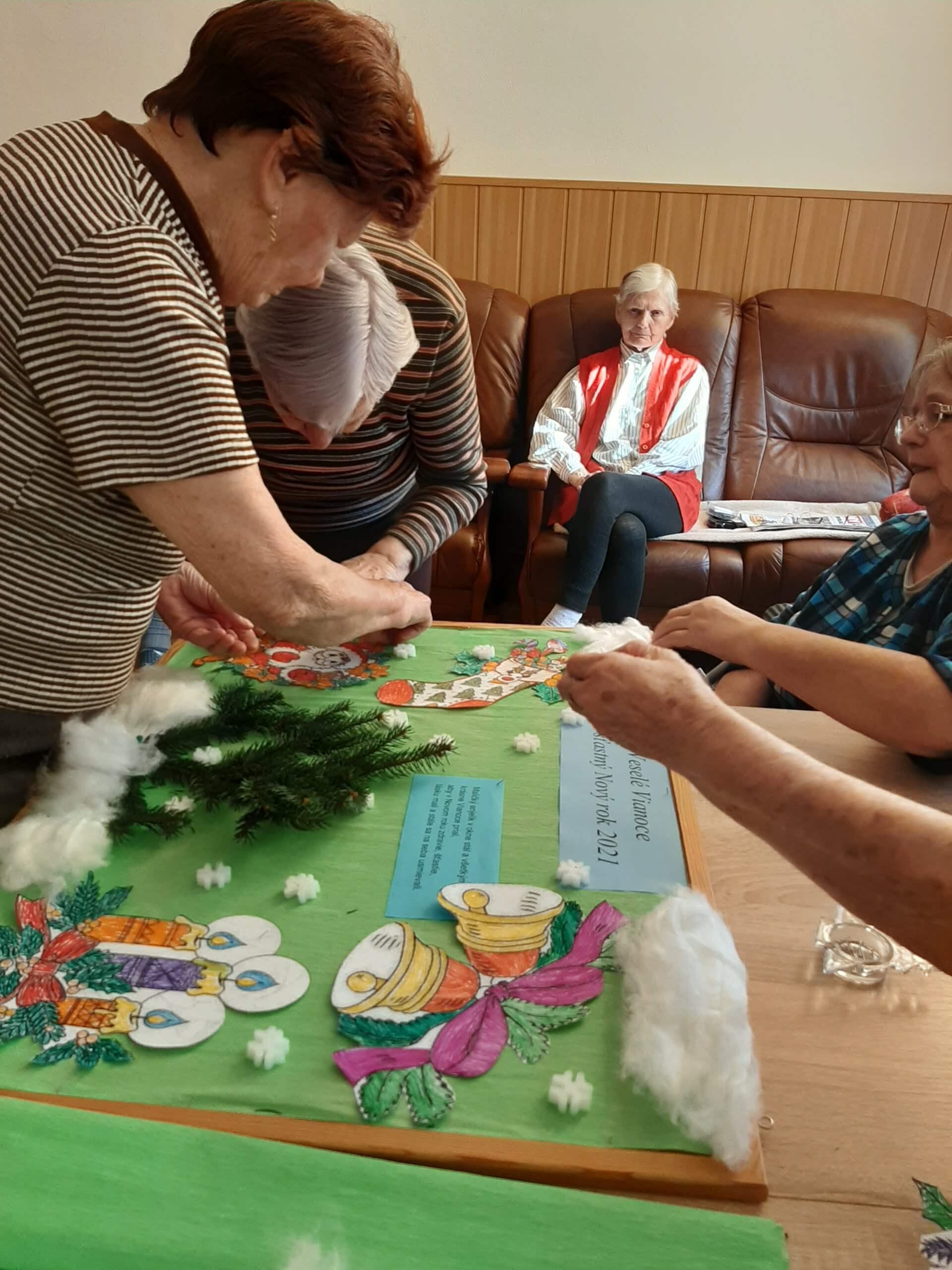 Sviatky môžu stráviť seniori z domova v kruhu najbližších