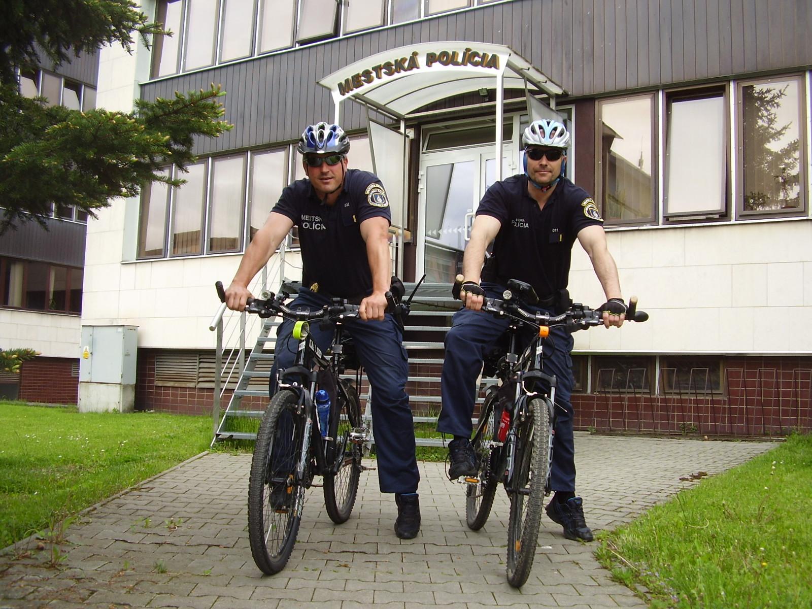 Mestskí policajti opäť hliadkujú v uliciach aj na bicykloch